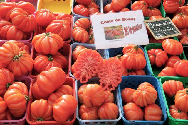 Bon marché: the markets of Provence