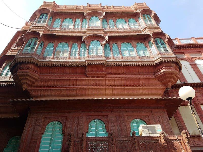 Past continuous: a peek into Bikaner